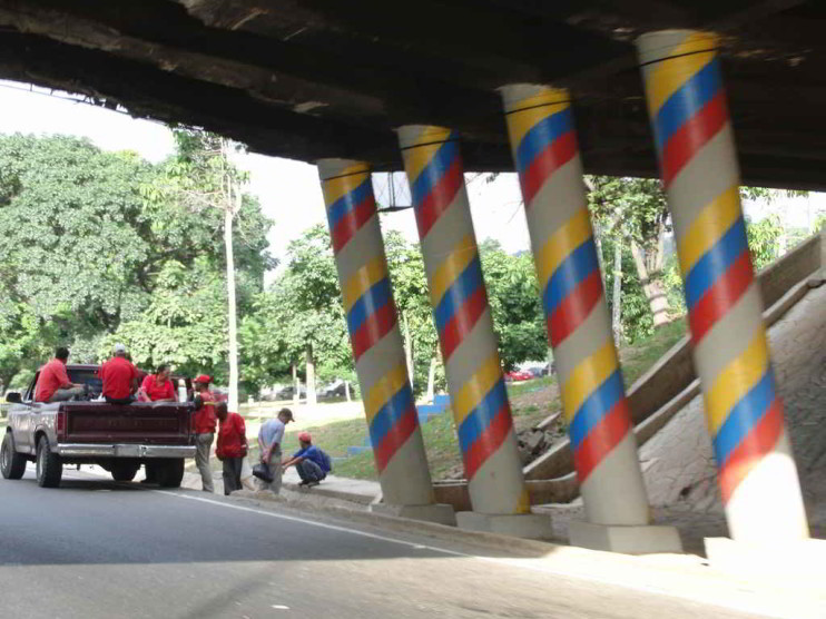 Crisis económica y política del sistema democrático venezolano 2002