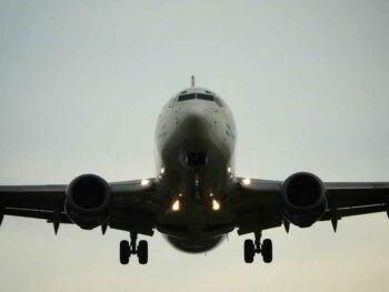 Análisis de gestión, administración y conducción de una empresa. Dinar Lineas Aéreas S.A.