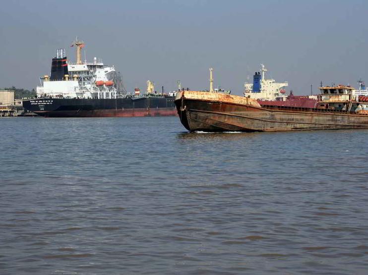 ¿Por qué no crecen las exportaciones a pesar de un tipo de cambio favorable?
