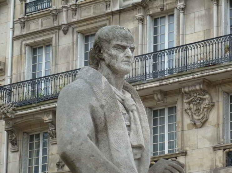 """Resumen de """"El Contrato Social"""" de Jean Jacques Rousseau"""