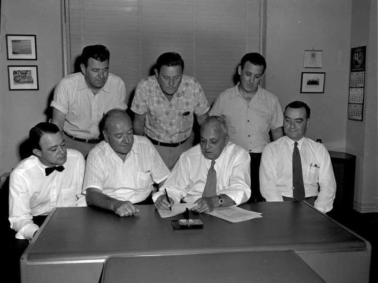 Teoría de los contratos públicos y administrativos