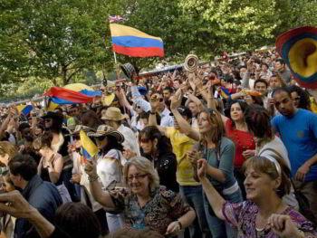 Necesidad de partidos políticos fuertes en Colombia