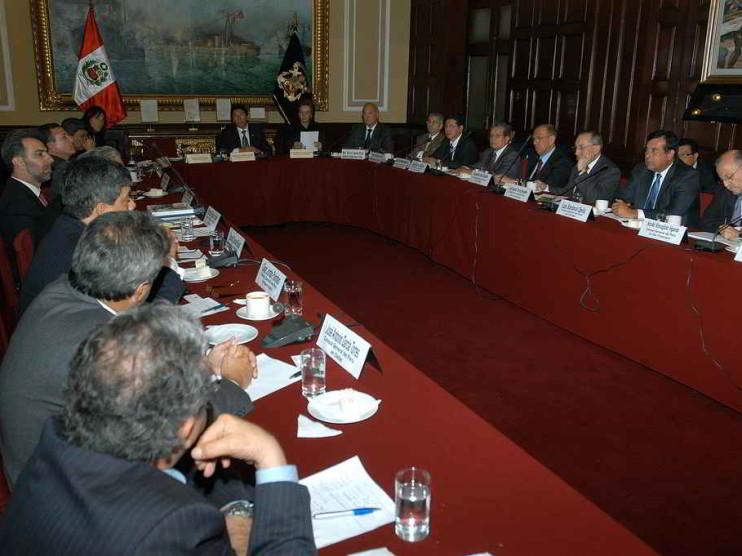 Gobiernos locales y modernización del estado en Perú