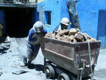 Dimensión social de la minería en el Perú