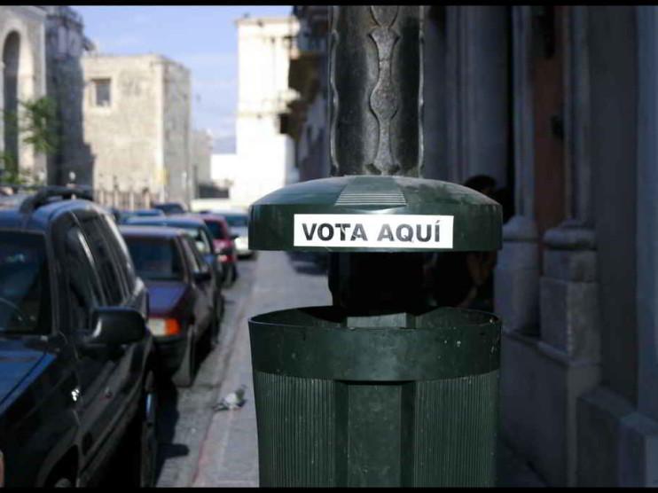 Transición democrática y desarrollo a finales del Siglo XX en Perú
