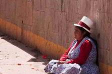 Microcrédito, género y pobreza en Perú