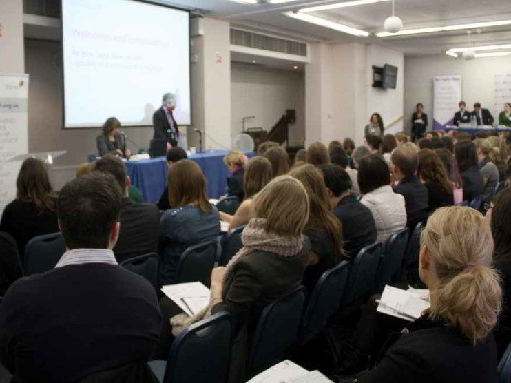 Conferencias y conferenciantes