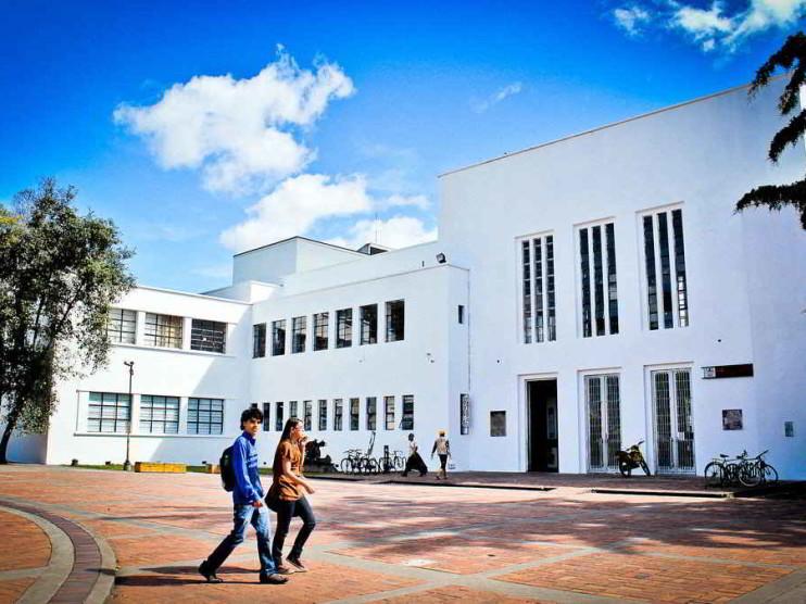 La universidad en la transformación de comunidades desde una concepción sociohumanista
