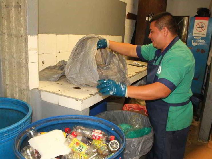 Protocolo de investigación sobre desechos sólidos. Constanza, República Dominicana
