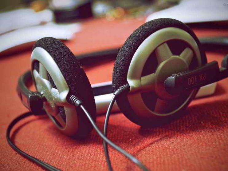 La virtud de oír y confiar en la atención al cliente