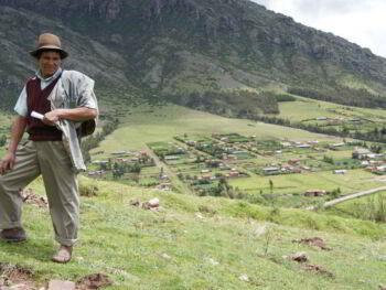 Programa de radio comunitaria en Perú