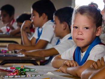 Desempeño profesional del tutor y su mejoramiento en Cuba