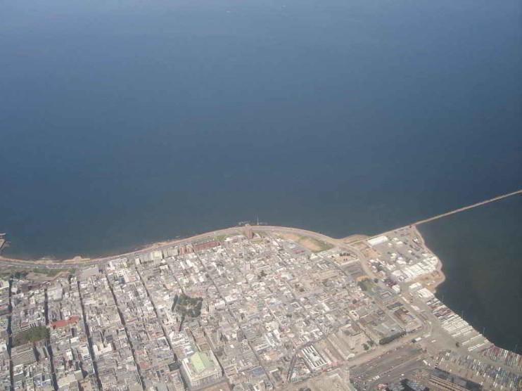 Necesidad de un puerto en aguas profundas en Uruguay