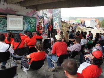 Construcción de identidades sociopolíticas y participación comunitaria del docente integral en formación