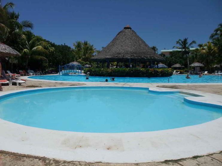 Administración de grupo empresarial extrahotelero Palmares Cuba
