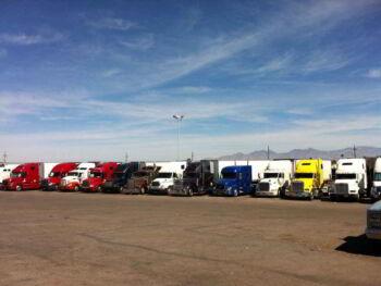 Planificación y control de transporte de carga por camiones