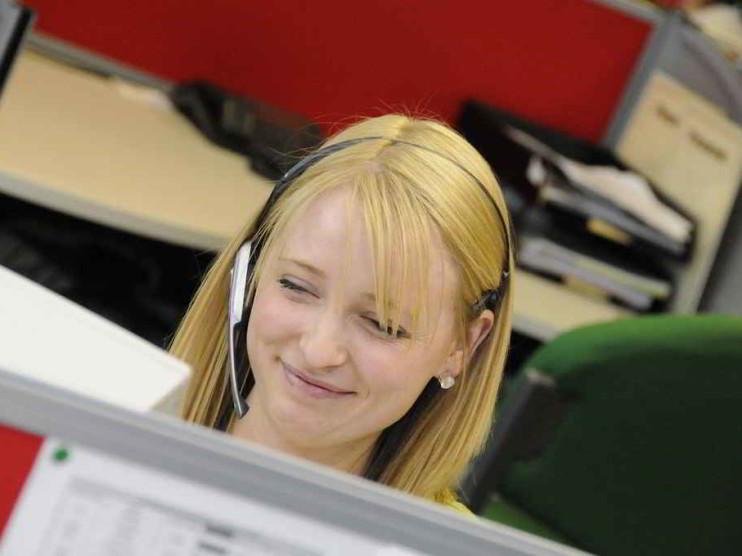 Impacto de la satisfacción y desempeño laboral en el cliente externo