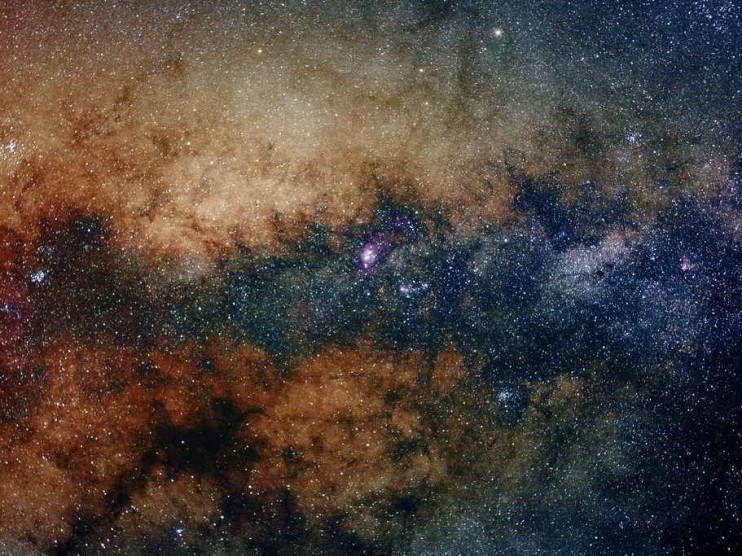 Astrónomos ejemplares y pensadores críticos