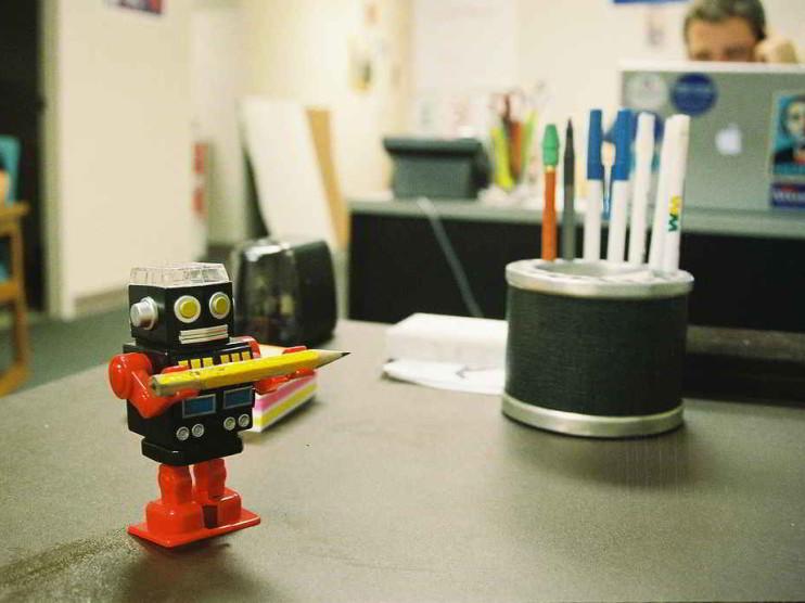 Consiga más clientes contratando una asistente virtual
