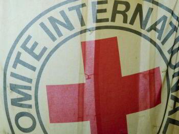 Uso de emblemas para la protección en el derecho internacional humanitario