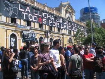 Nivel de endeudamiento juvenil en Chile y educación financiera