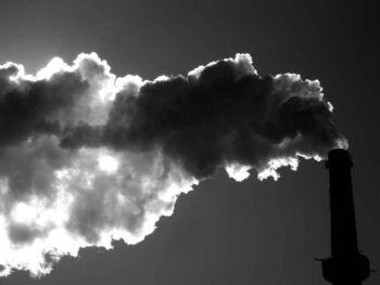 Impacto de la contaminación ambiental en la economía colombiana
