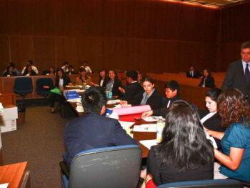 Juicio de amparo. Medio de defensa en materia fiscal en México