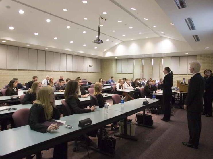 El currículo por competencias y la formación integral del estudiante universitario