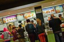 Aplicación de la administración de operaciones en comidas rápidas