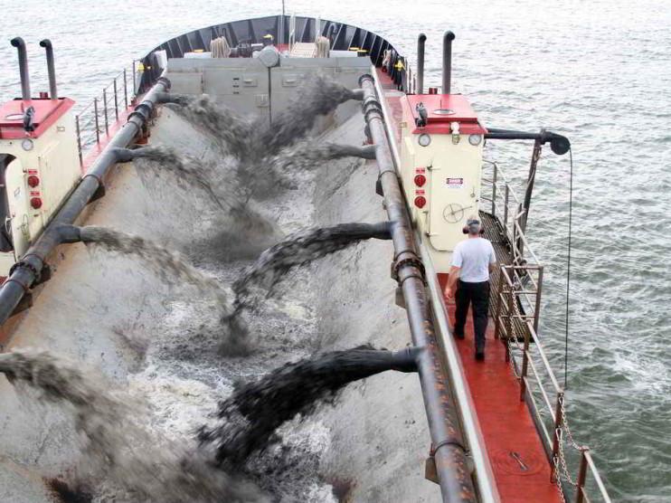 Saneamiento ambiental del canal interior de Isla del Sur Varadero Cuba