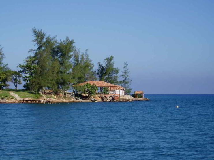 Educación ambiental en zonas costeras de actividad turística de marina y náutica en Cuba