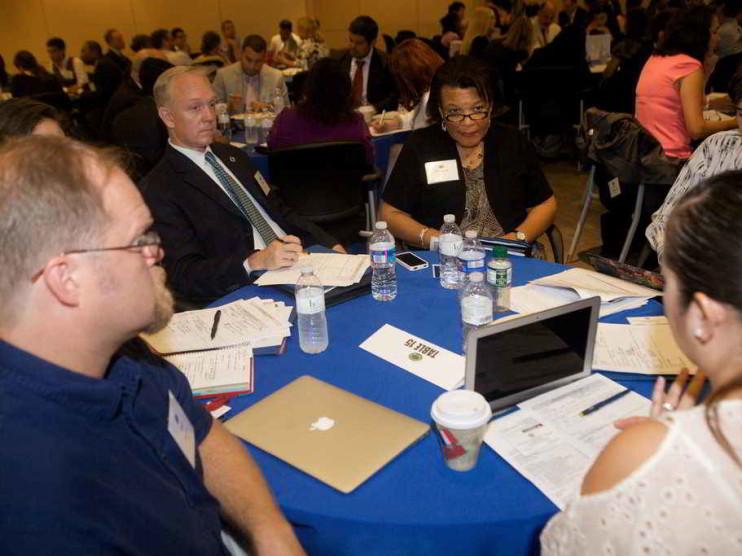 Evaluación de competencias laborales para docentes en una Universidad
