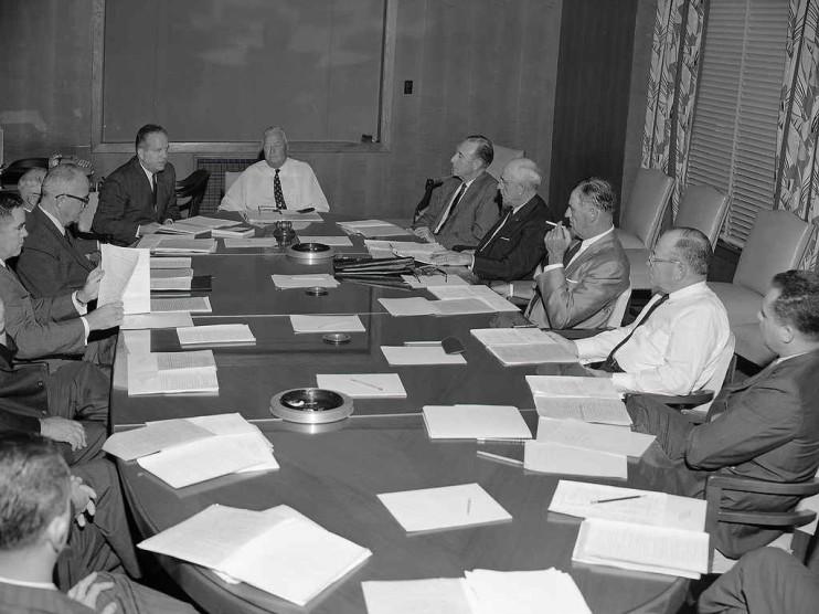 Modelo burocrático de organización de Max Weber desde un enfoque decidofóbico
