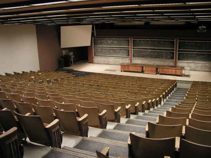 Inserción de la formación universitaria en empresas a través del aprendizaje-servicio solidario