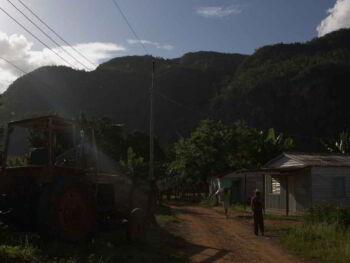 Fluctuación laboral de los adolescentes en empresas cubanas del sector agropecuario