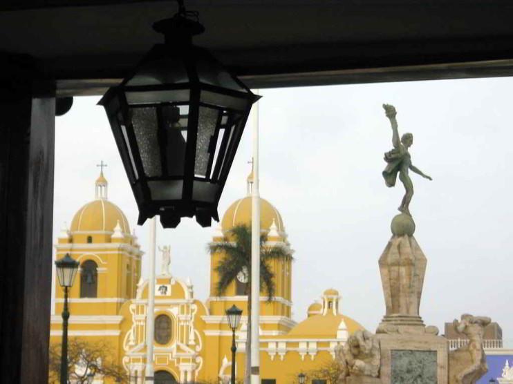 Vulnerabilidad del principio de legalidad de la ley penal en blanco en el Perú