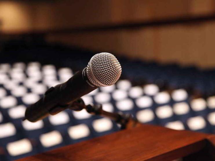 4 consejos para hablar en público con confianza y sin miedo