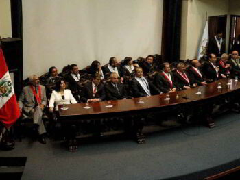 Propuesta para ocupar las funciones de jueces en el Perú