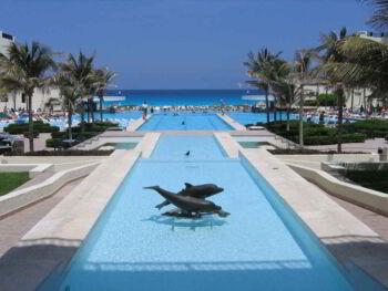 Economía del destino turístico de convenciones de Cancún México