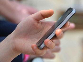 Conectado a tu teléfono y desconectado de tu vida