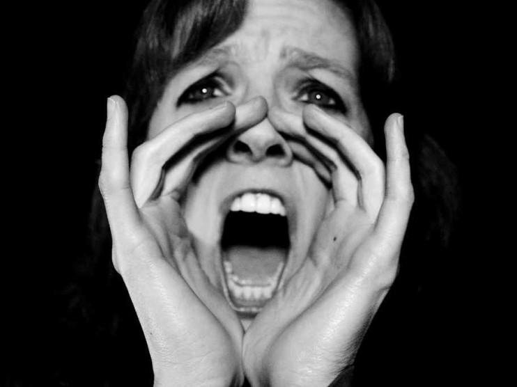 La conducta agresiva en la mujer según el derecho penal
