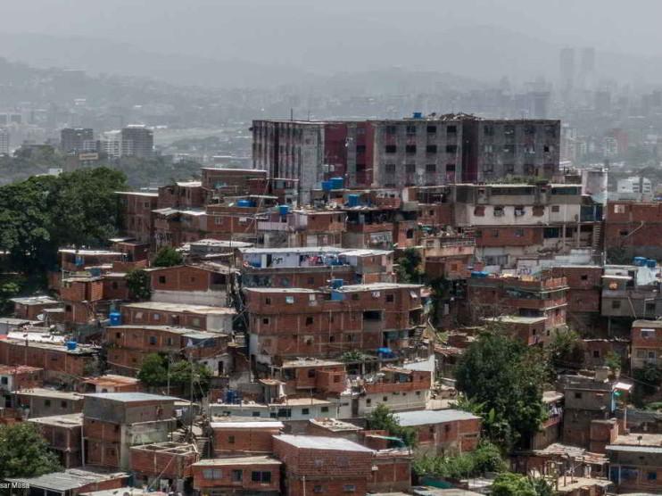 Regularización de tierras en asentamientos urbanos en Venezuela