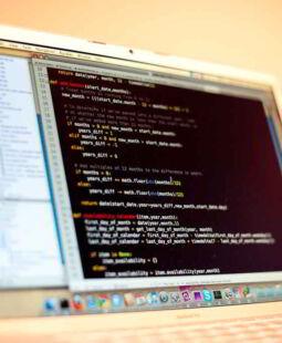 Estimación de costos de desarrollo de software