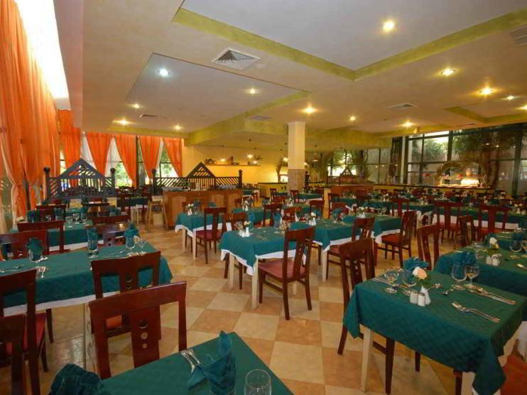 Restauración no estatal de restaurantes en Varadero Cuba