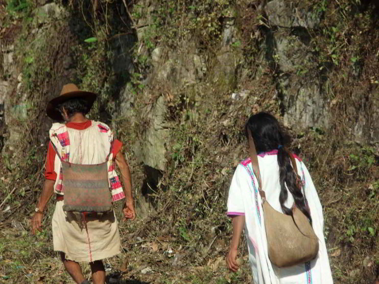 Análisis sociológico del arraigo cultural en San Juan Cancuc Chiapas, México