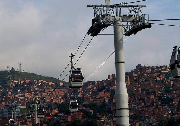 Desarrollo económico en América Latina y el Caribe: 2005 – 2013