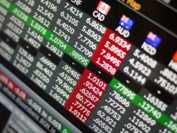 Impacto de la información asimétrica en los mercados electrónicos