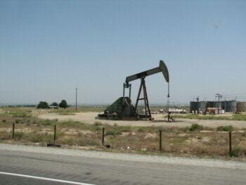 Impacto de los recursos no renovables en los sectores económicos en México
