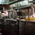 Dotación de equipo y mobiliario para restaurantes