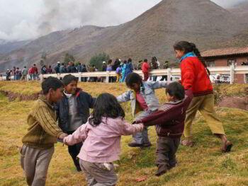 Visita a familias como parte de la educación rural en alternancia en el Perú